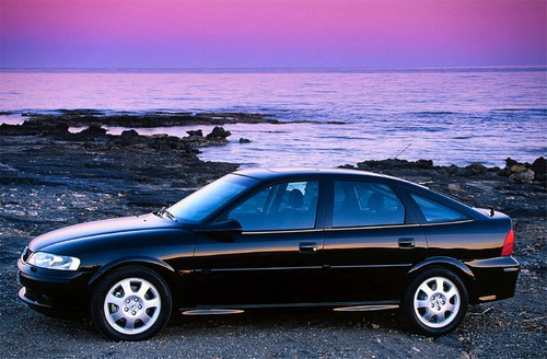 Opel Vectra  Hatchback 1999 - 2002